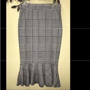 Bodycon Fitted Black & White Skirt w/ flare bottom